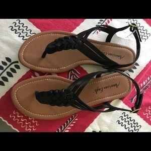 American eagle women's sandals 9 NWT black